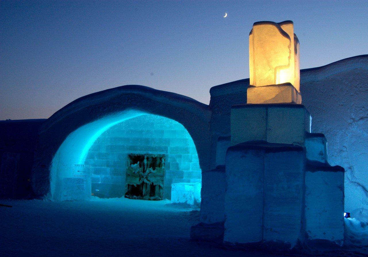 Самый большой отель изо льда — ICEHOTEL