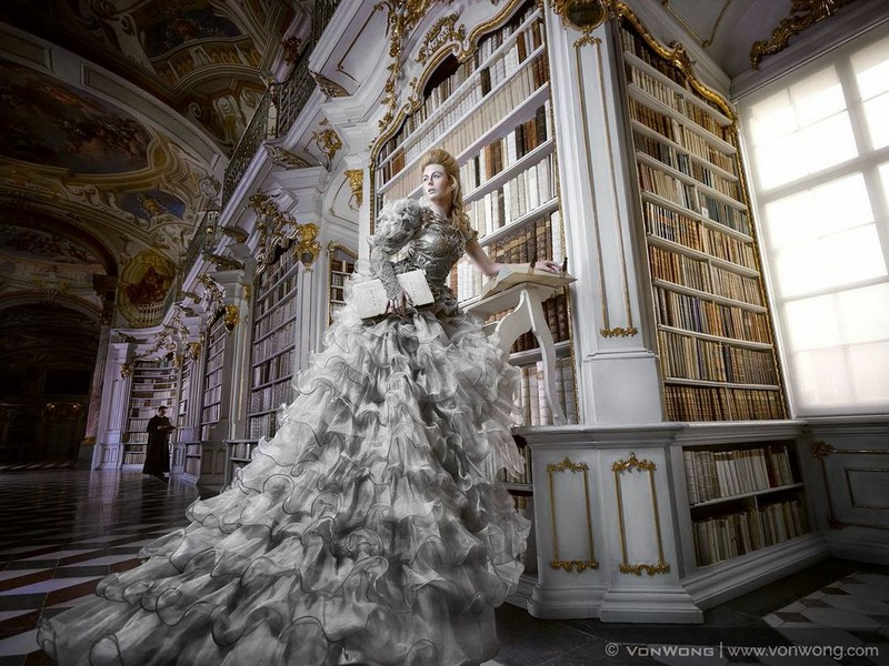 Внутри крупнейшей монастырской библиотеки