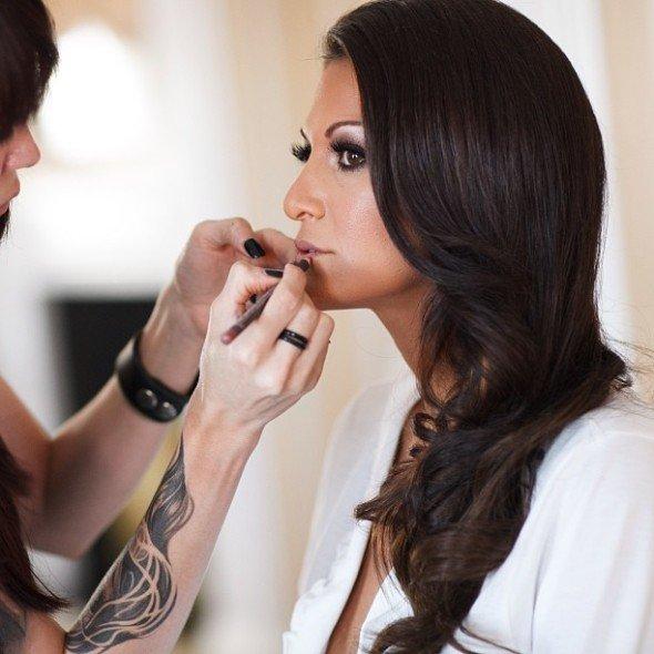 Визажист Мелиса Мерфи делает из порно-актрис красавиц