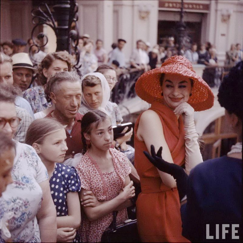Одежда Кристиан Диор в Москве 1959 года