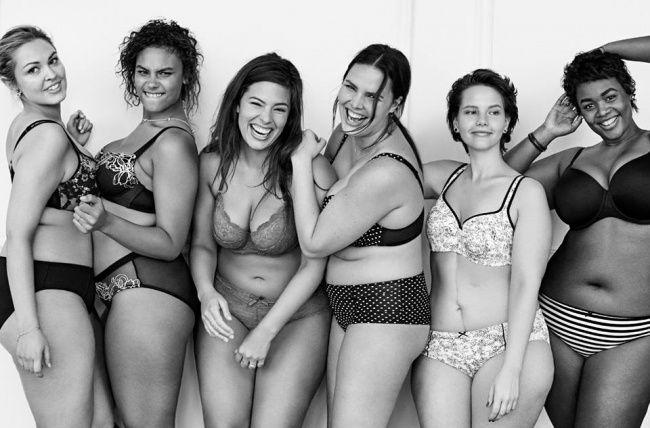 Дамочки в теле рекламируют нижнее белье
