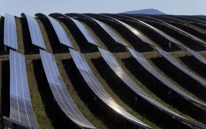 Огромная долина солнечных батарей во Франции