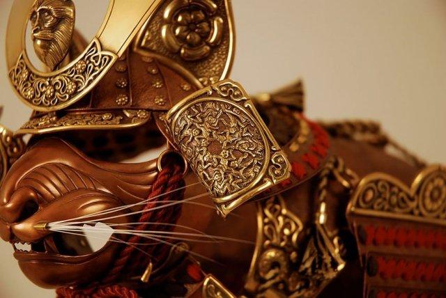 Кованые доспехи для кошек и мышей от Джеффа де Бура