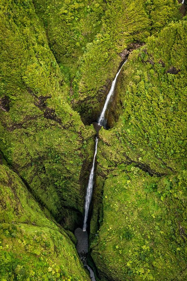 Красота водопадов на фотографиях с высоты