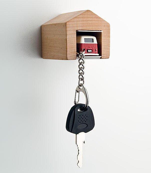 Прикольные ключницы для дома