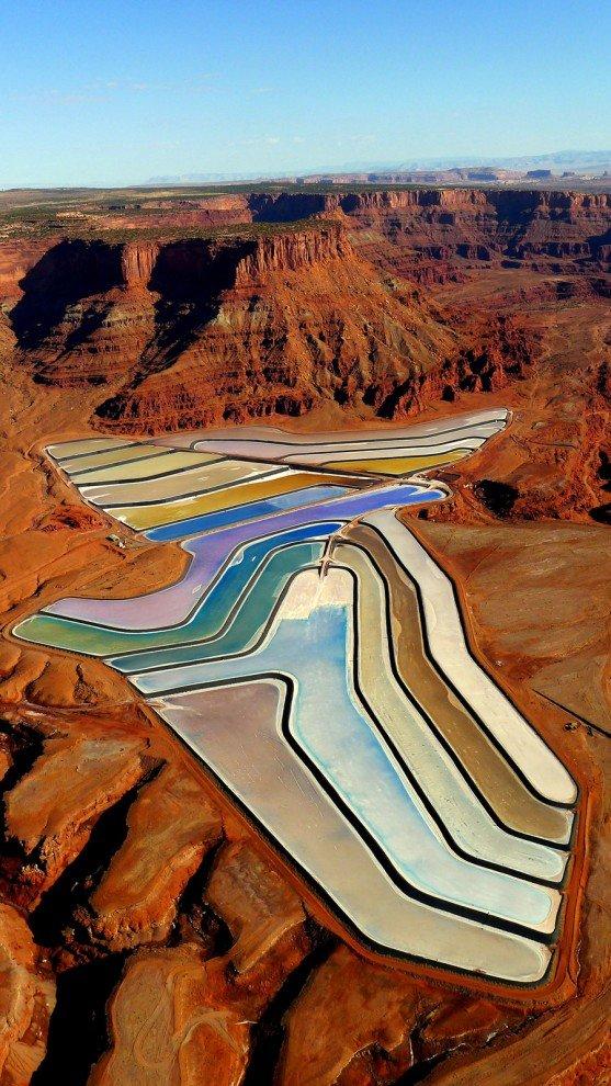 Разноцветные калийные пруды штате Юта