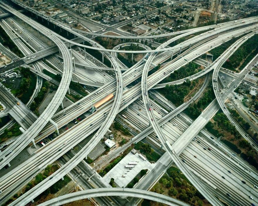 Семь сложных транспортных развязок со всего мира