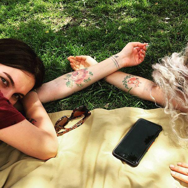 Татуировки в стиле вышивания крестиком
