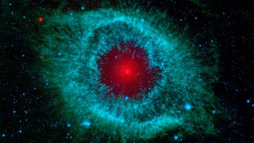 Красочные фотографии, сделанные телескопом Спитцер