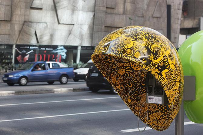 Креативные телефонные будки в Сан-Паулу