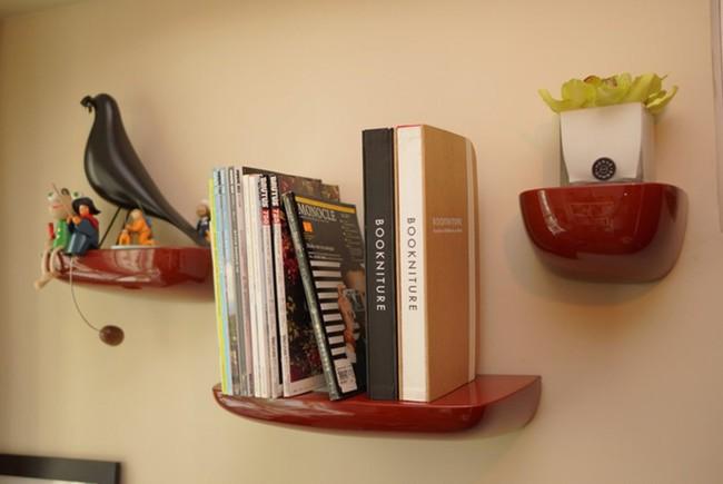 Мебель раскладывается из книг