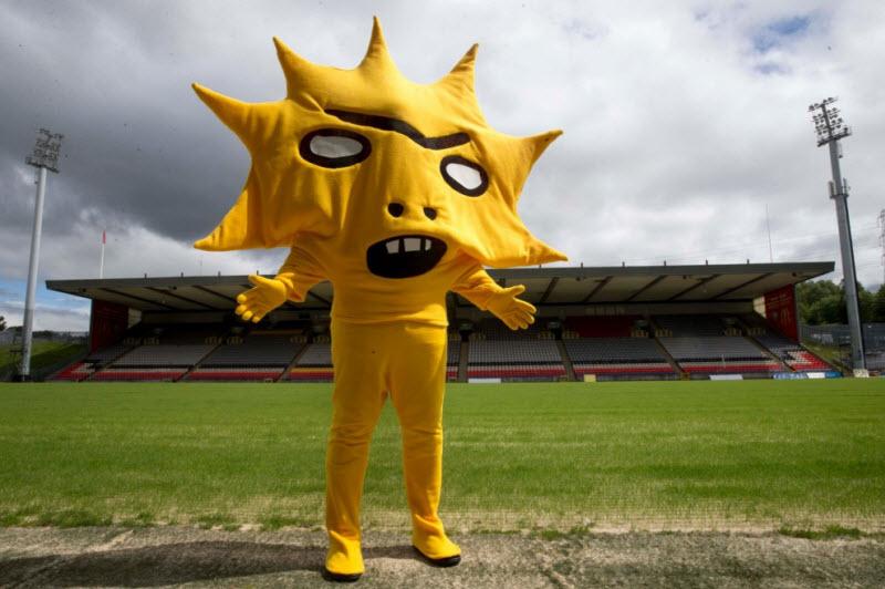 Забавные и пугающие талисманы футбольных клубов