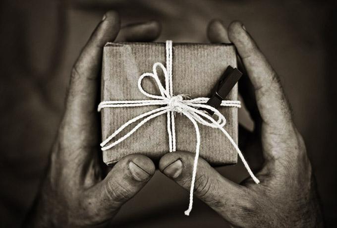 Какие подарки принимать, а какие не стоит