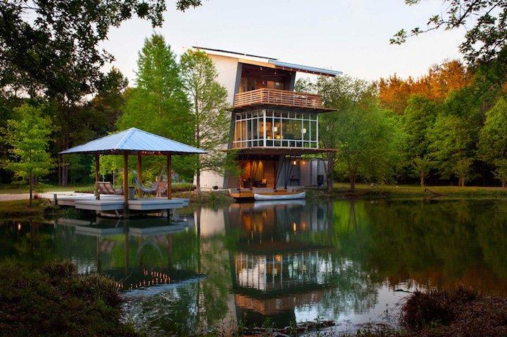 Уникальный дом Pond House на берегу пруда