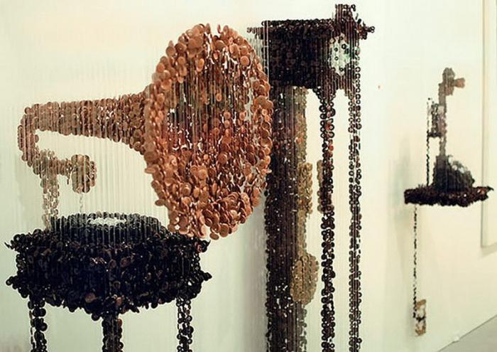 Впечатляющие трехмерные скульптуры из пуговиц