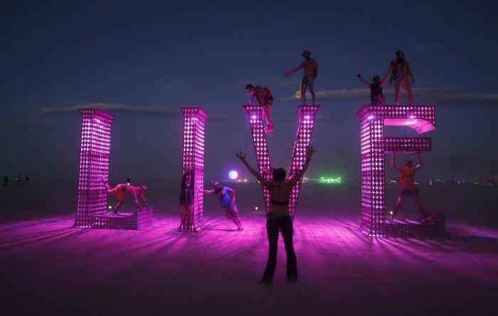 Как проходит фестиваль Burning Man 2015