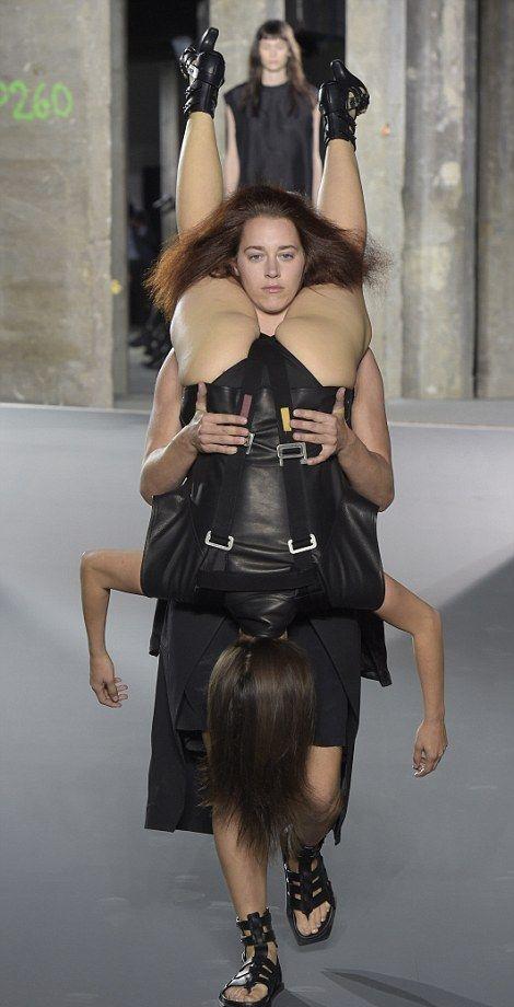 Люди рюкзаки фото рюкзаки osprey купить москва