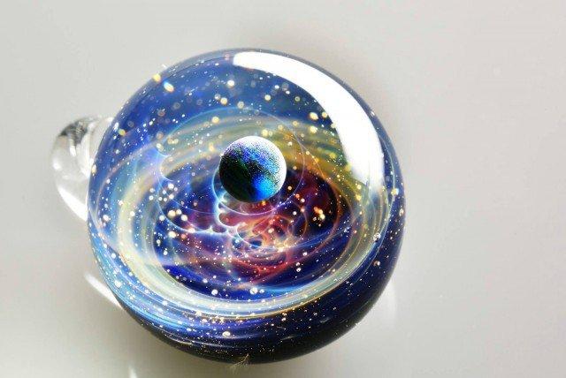 Космические сувениры из стекла