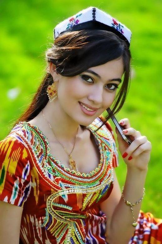 Красивые таджикские девушки из соцсетей