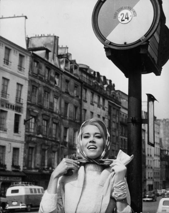 Уличная жизнь Парижа на фотографиях 50-х — 60-х годов XX века