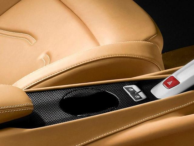 10 гаджетов для роскошных автомобилей