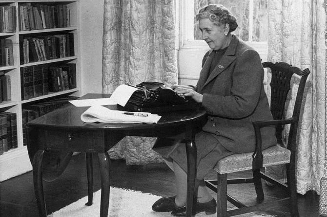 Как известные писатели заставляли себя поработать