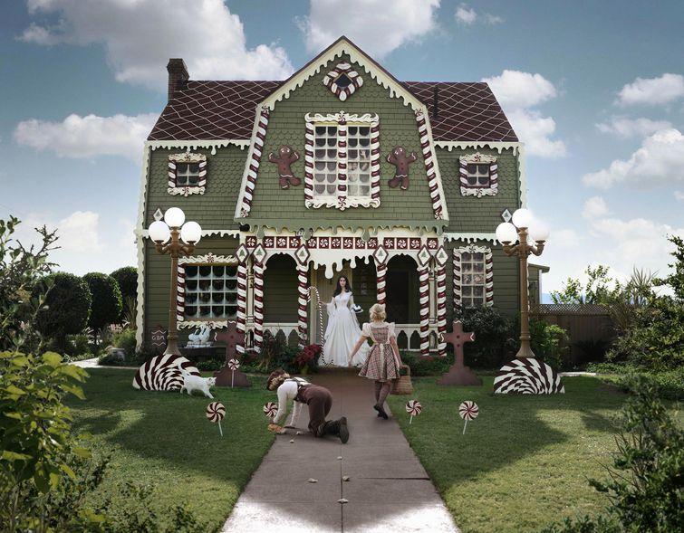 Превращение обычного дома пряничный
