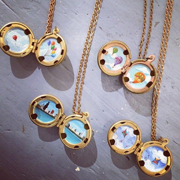 Картины в медальонах от Хары Ледонн