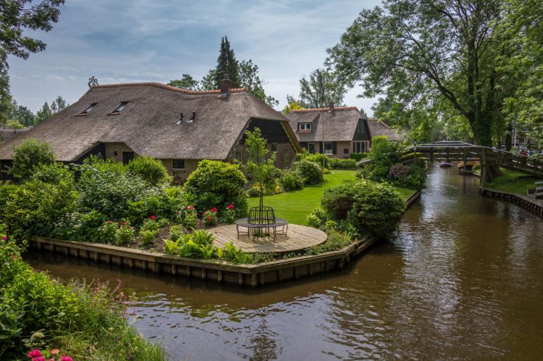 Деревня Гитхорн в Нидерландах — настоящий рай на Земле