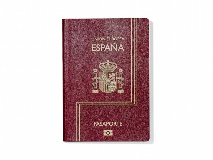 Как выглядят паспорта в разных странах мира