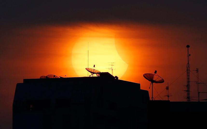 Полное солнечное затмение в Юго-Восточной Азии