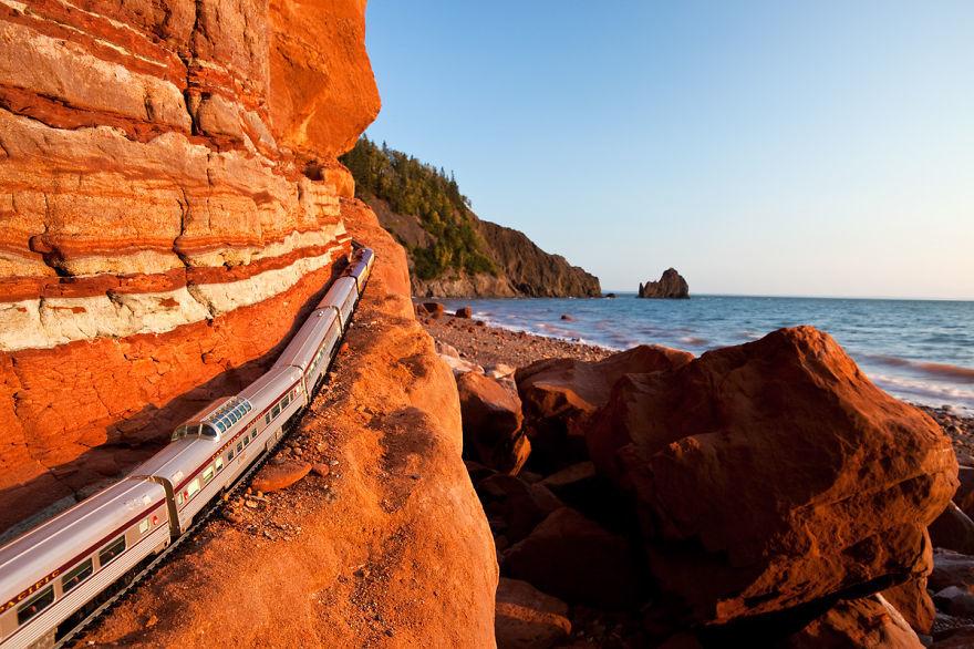 Путешествие по Канаде на игрушечном поезде