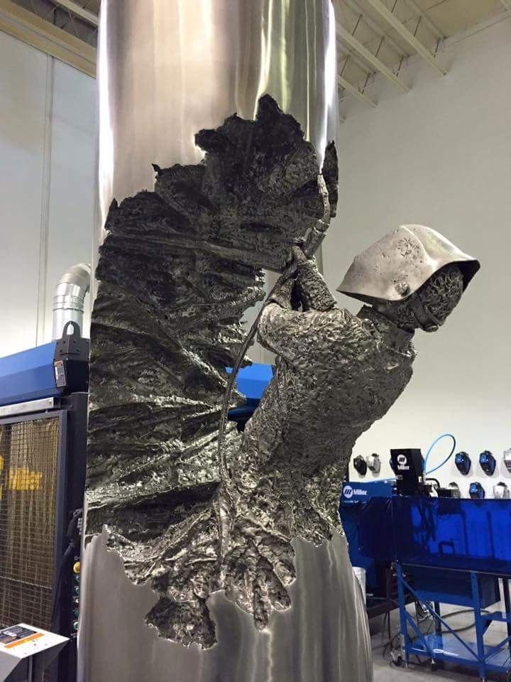 Удивительные скульптуры из металла от сварщика Дэвида Мадеро