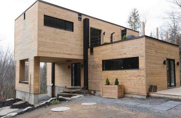 Женщина построила этот дом из морских контейнеров