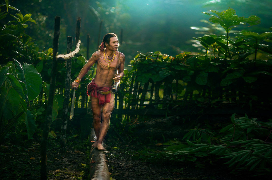 Красивые фото дикого племени в Индонезии