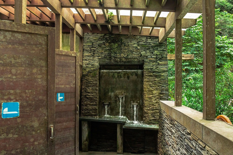 Необычных туалеты, расположенные в самых живописных уголках мира