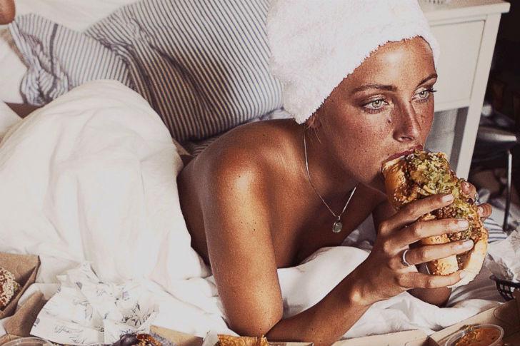 Секс и еда на вынос в провокационной серии фотографий
