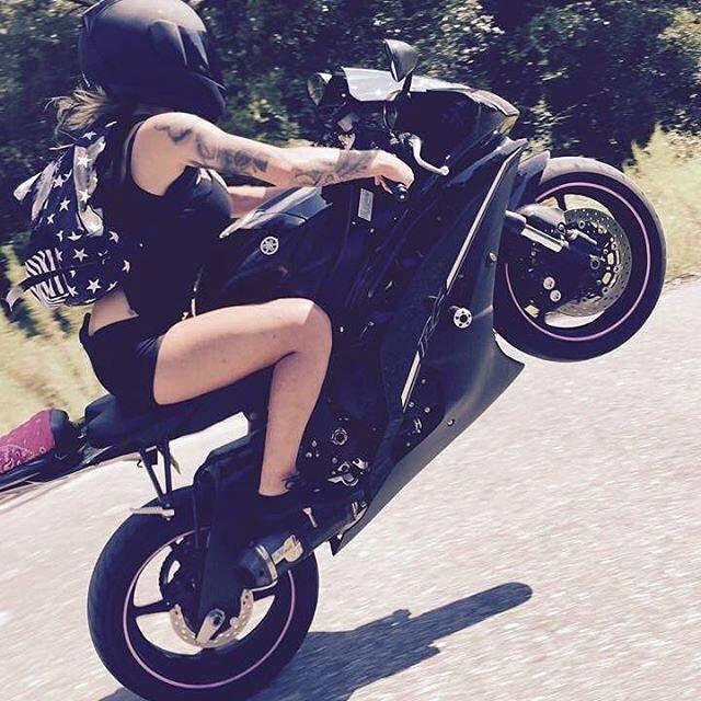 krasivye-devushki-i-motocikly-1