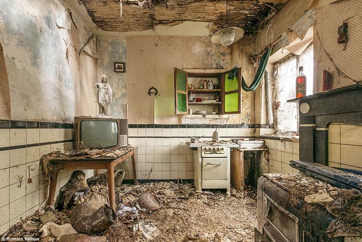 Красота развалин в объективе французского фотографа Ромэна Вейона