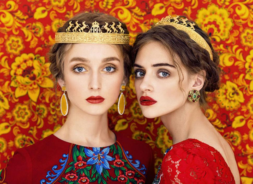 Русские красавицы в традиционных нарядах от российских фотографов