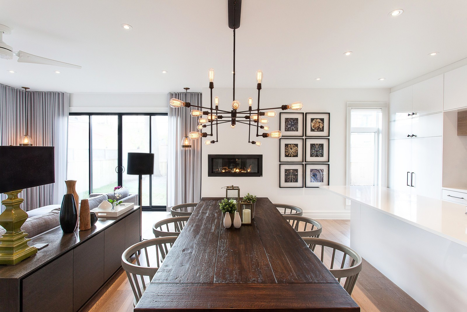 Двухэтажная пристройка к частному дому в Канаде