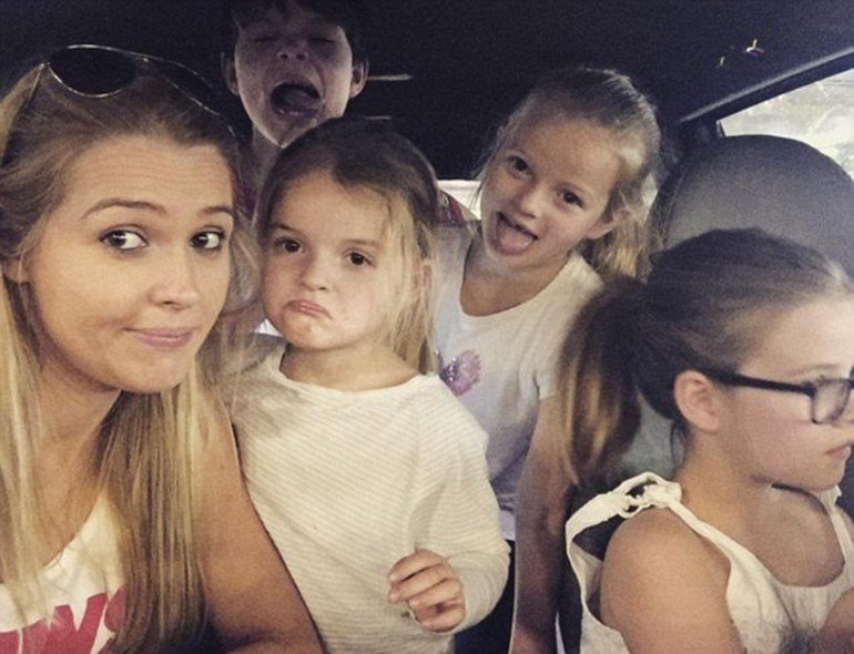 Мама шестерых детей из Австралии начала успешную модельную карьеру в 30 лет