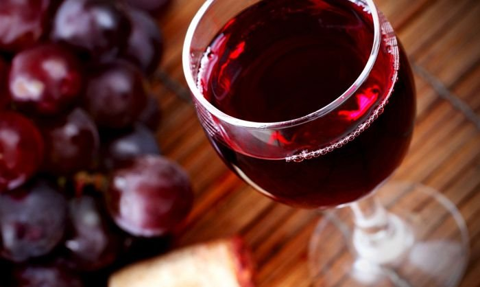 9 причин полюбить красное вино