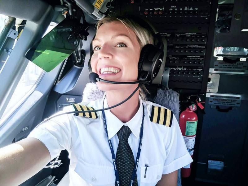 Девушка-пилот Boeing 737 стала звездой Instagram