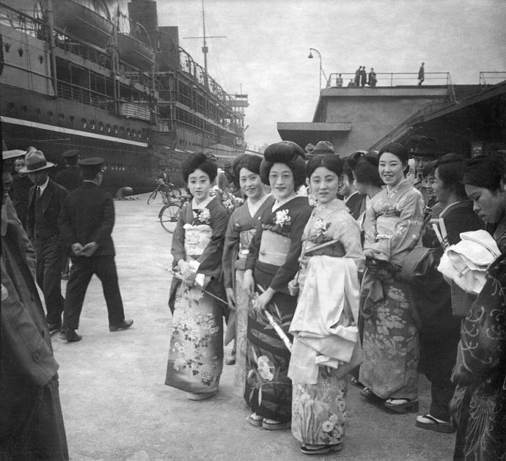 Шанхай 1930-х годов на черно-белых фотографиях