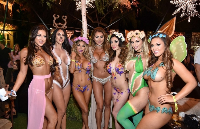 Ежегодная вечеринка в особняке Playboy
