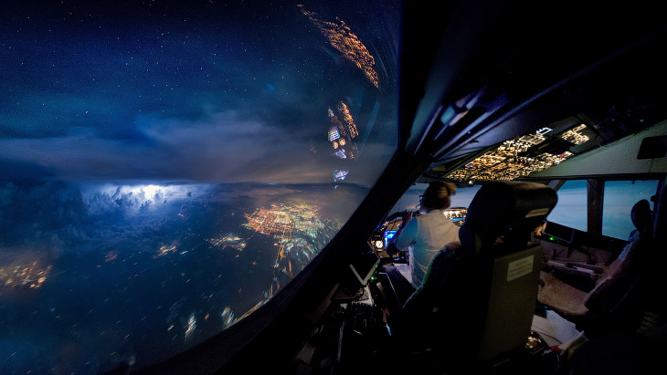 Гроза из кабины пилотов и другие удивительные снимки