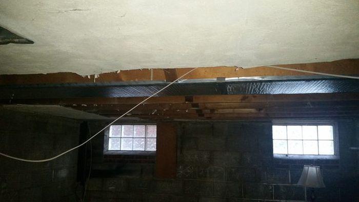 Американец нашел клад, делая ремонт в доме