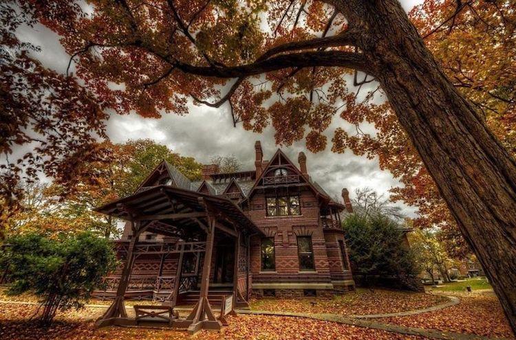 Готический особняк Марка Твена, в котором живут привидения