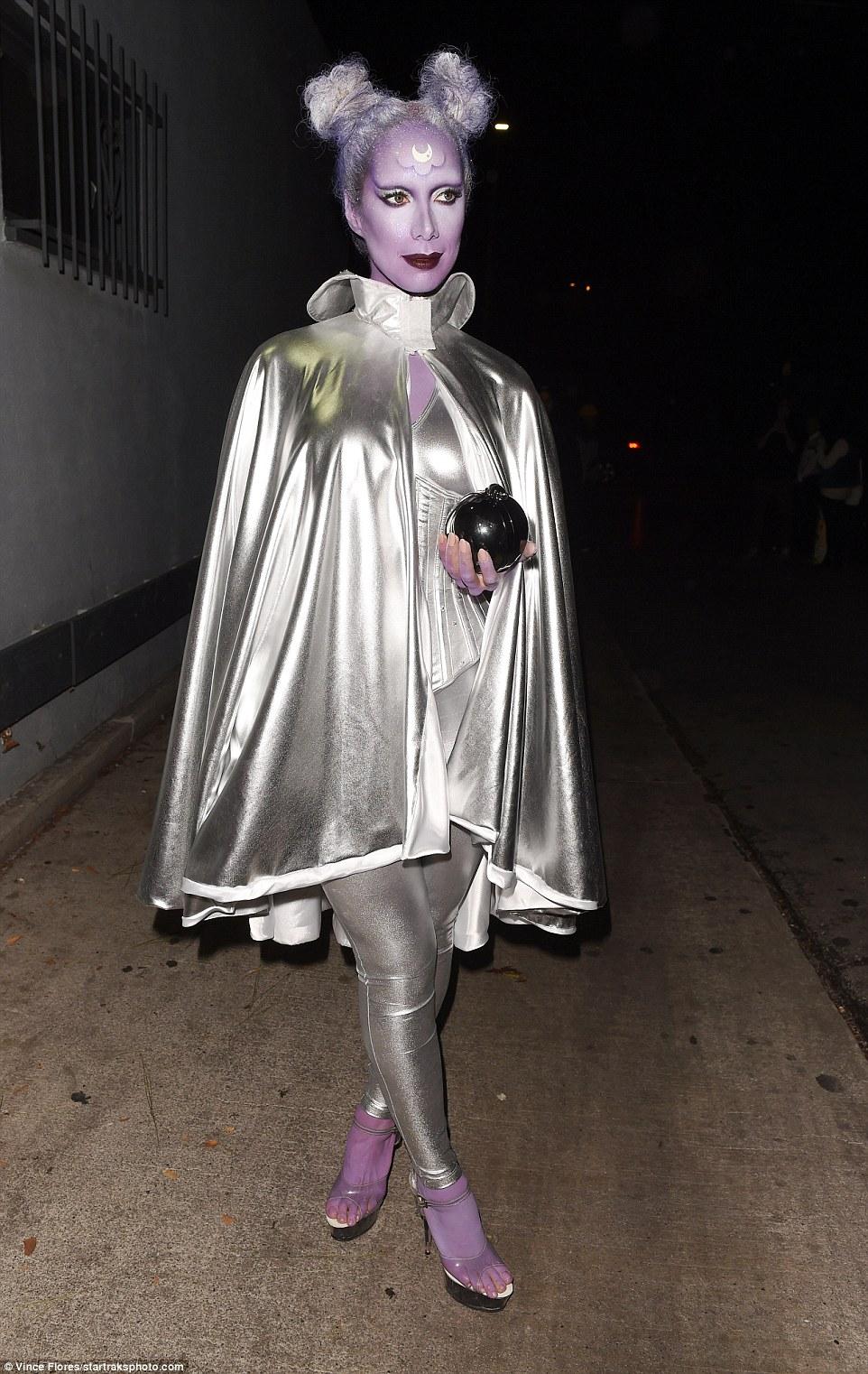 Дерзкие костюмы знаменитостей на вечеринках в честь Хеллоуина